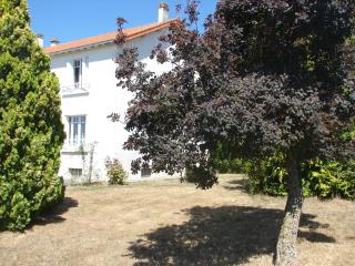 5 bedroom House with High Chair in Les Herbiers - Les Herbiers vacation rentals