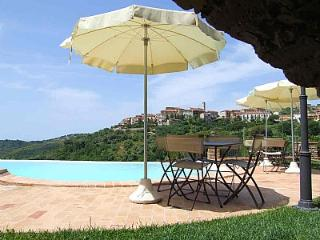 Charming 3 bedroom House in Casal Velino with Deck - Casal Velino vacation rentals