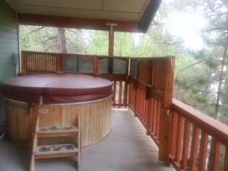 Beautiful Custom home with hot tub on second floor - Pinetop vacation rentals