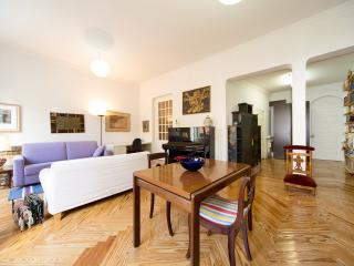 Apartamento Gran Vía - Madrid vacation rentals