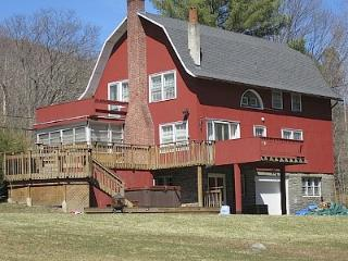 Charming Converted Barn On 2+ Acres  Walk To Town - Woodstock vacation rentals