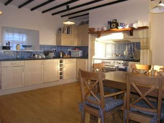 Lovely Cottage in Alnwick with Dishwasher, sleeps 6 - Alnwick vacation rentals