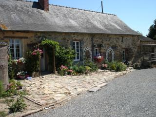 La Pouquenaie, 8/9 pers. 4 bed - Challain-la-Potherie vacation rentals