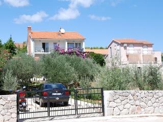 Apartment Tihana /4-6/ - Stari Grad vacation rentals