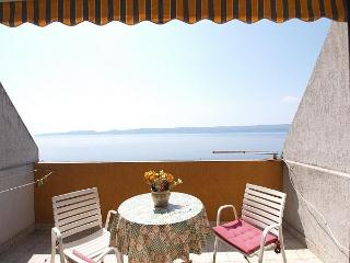 Studio for 4; with great view! - Split vacation rentals
