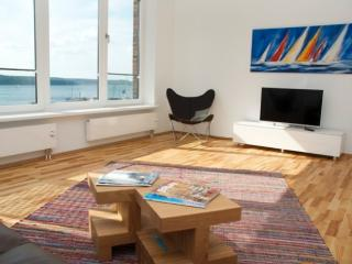 Vacation Apartment in Flensburg - 700 sqft, luxurious, bright, upgraded (# 5299) - Flensburg vacation rentals