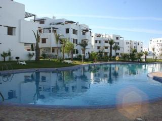 Cozy 3 bedroom Condo in M'diq with Internet Access - M'diq vacation rentals