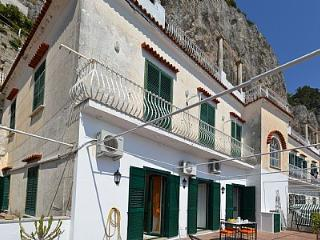 Cozy House with Deck and Internet Access - Amalfi vacation rentals
