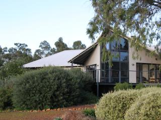 Beautiful House with Dishwasher and Grill - Quindalup vacation rentals