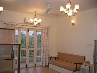 2 bedroom Condo with Garden in Siolim - Siolim vacation rentals