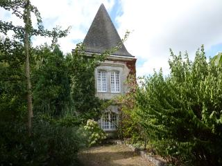 Nice 1 bedroom Tower in Brossac - Brossac vacation rentals