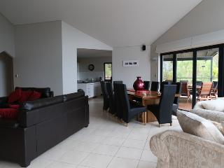5 bedroom House with Washing Machine in Quindalup - Quindalup vacation rentals