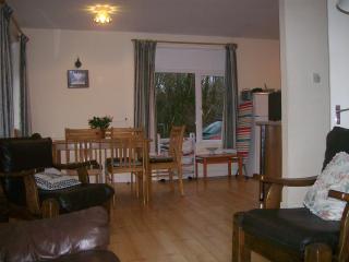 Perfect 3 bedroom Bungalow in Ballinrobe - Ballinrobe vacation rentals