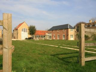 The Mere Coach House, detached Cotswolds' house - Fairford vacation rentals