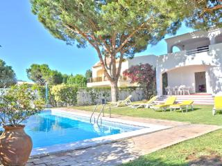 Private pool villa in The Old Village area walking distance to all amenities - Vilamoura vacation rentals