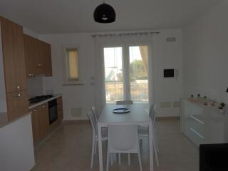 Cozy 3 bedroom House in Pescoluse - Pescoluse vacation rentals
