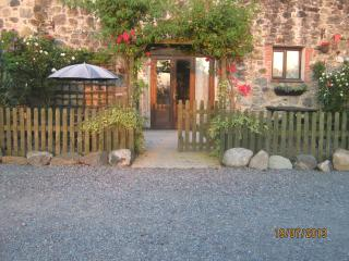 Hendy. stone built split level cottage - Llandwrog vacation rentals