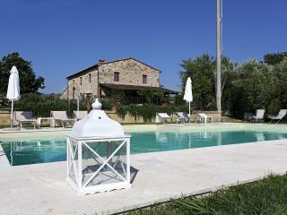 Country villa surrounded by stunning Tuscan landsc (safe area) - Saturnia vacation rentals