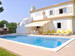 Modern villa on a quiet location & close to all amenities - Vilamoura vacation rentals