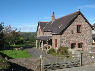2 bedroom Cottage with Internet Access in Brecon - Brecon vacation rentals