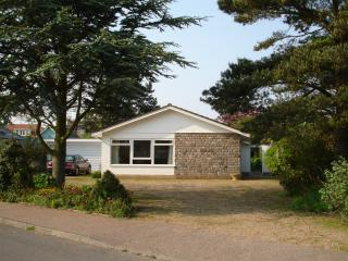 Nice 3 bedroom Bungalow in Aldeburgh with Satellite Or Cable TV - Aldeburgh vacation rentals