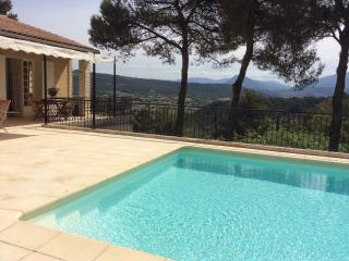 4 Bedroom Villa with a Fireplace and Balcony, in Vaison near Mont Ventoux - Luberon vacation rentals