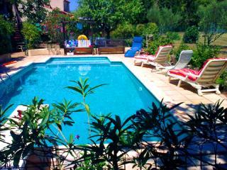 Lesoleanders - Jonquieres vacation rentals