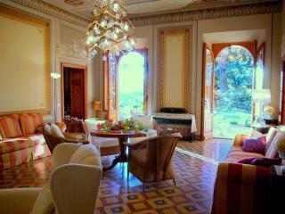 Cozy 2 bedroom Pistoia Condo with Internet Access - Pistoia vacation rentals