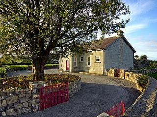 Charming 3 bedroom Cottage in Gort - Gort vacation rentals