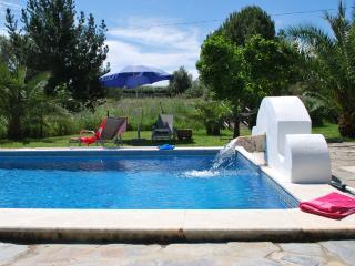 Nice Condo with Internet Access and Dishwasher - Vila Vicosa vacation rentals