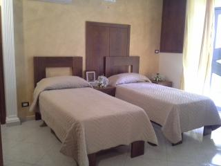 Cozy 3 bedroom Bed and Breakfast in Andria - Andria vacation rentals