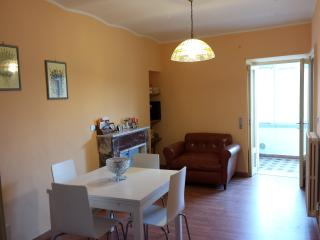Bright 2 bedroom House in Agnone with Central Heating - Agnone vacation rentals
