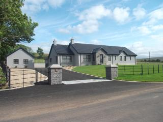 Comfortable 4 bedroom Bungalow in Limavady - Limavady vacation rentals