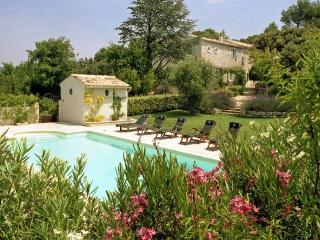 4 bedroom Villa in Saint Restitut, Provence, France : ref 2017768 - Saint Restitut vacation rentals