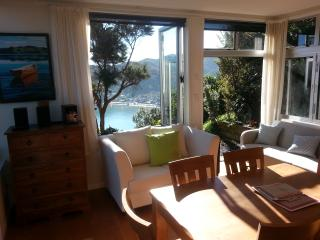 The Gum Tree Cottage York Bay Eastbourne Wellington - Upper Hutt vacation rentals