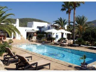 Stunning villa close to Saline - San Jose vacation rentals