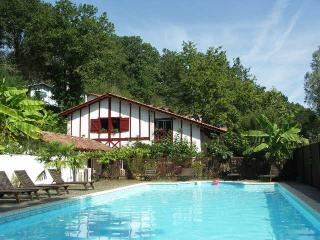 Comfortable Cottage with Internet Access and A/C - La Bastide Clairence vacation rentals