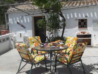 Cuevas Bazavista Short walk to town tranquil area - Baza vacation rentals
