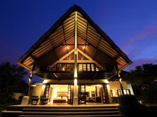 Lovely Villa with Internet Access and A/C - Lovina vacation rentals