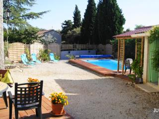 Wonderful 2 Bedroom Villa with a Private Pool, in Provence, Bedoin - Roaix vacation rentals