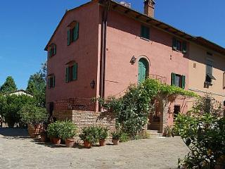 Perfect House with Shared Outdoor Pool and Deck in Montaione - Montaione vacation rentals