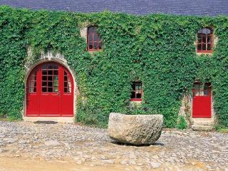 2 bedroom Villa in Audierne, Brittany  Northern, France : ref 2017776 - Primelin vacation rentals