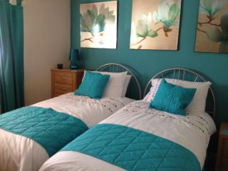 Cozy 2 bedroom Apartment in Whitby with Internet Access - Whitby vacation rentals