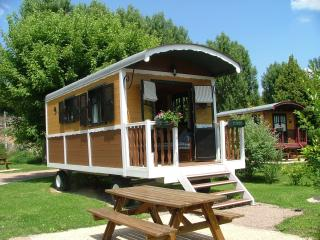 Romantic 1 bedroom Chateau Chinon Caravan/mobile home with Internet Access - Chateau Chinon vacation rentals