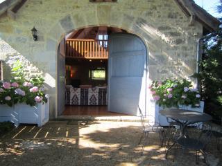 LE LAURIER, LA GALAUBIE - Villeneuve d'Aveyron vacation rentals