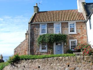 21 Shoregate - stylish seaside cottage in Crail - Elie vacation rentals