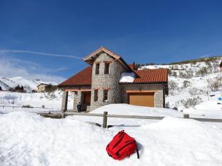 Bright 4 bedroom House in La Herradura - La Herradura vacation rentals