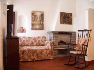 Charming 2 bedroom Chalet in Azenhas do Mar - Azenhas do Mar vacation rentals
