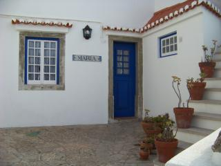 Charming 2 bedroom Chalet in Azenhas do Mar with Internet Access - Azenhas do Mar vacation rentals