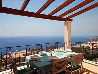 035-Villa Gometa - Funchal vacation rentals